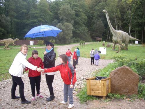 17 šeimyna Dinozaurų parke1