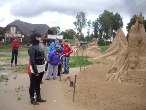 17 šeimyna Smėlio skulptūrų parke