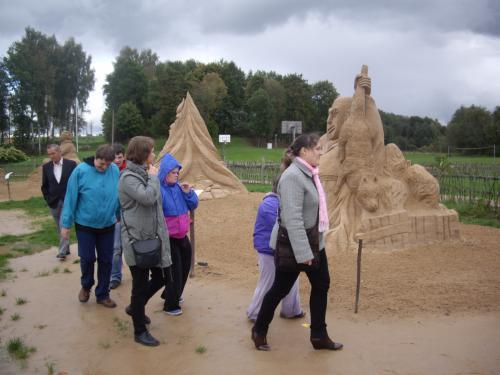 17 šeimyna Smėlio skulptūrų parke1