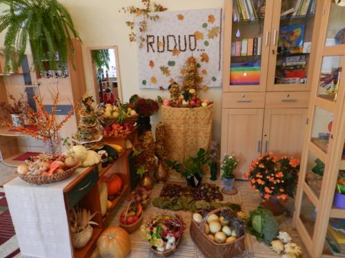 17 šeimynos rudens gėrybių parodėlė