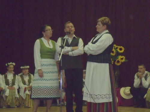 Dainuoja Snieguolė, Arvydas ir Dalia