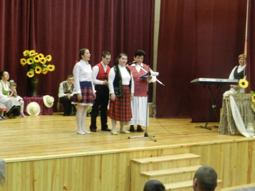 Deklamuoja Marija, Ernestas ir Lina