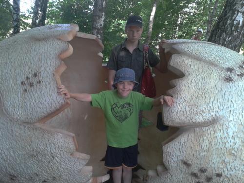 Eimantas ir Saulius Dino parke