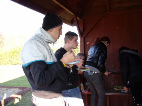Kaip skanu valgyti lauke
