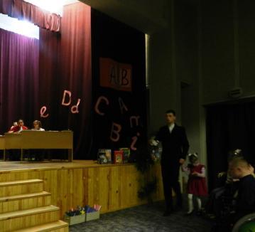 Marius ir Gabija su skambučiu kviečia į pamoką