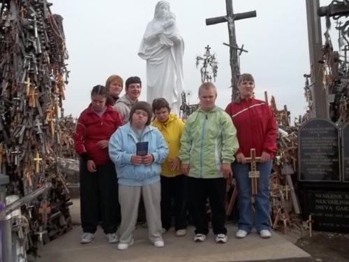 Merginos Kryžių kalne
