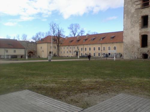 Poltsamaa meno mokykla