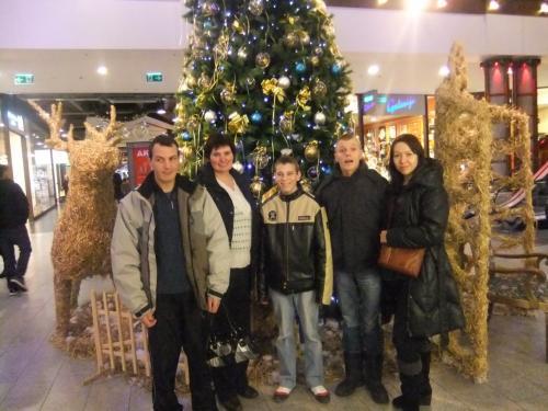 Prie Kalėdinės eglutės