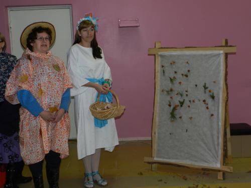 Rudenėlis - Violeta ir Šalna - Ligita prie kolektyvinio paveikslo