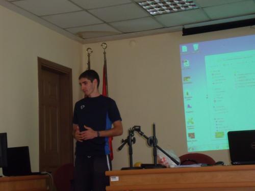 Rumunijos atstovas, vedęs interaktyvaus video kūrimo mokymus