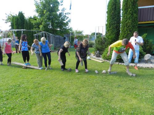 Užimtumo ir pedagoginio personalo komanda dalyvauja estafetėje